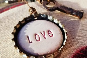 DIY Embroidery Hoop Valentine Decor #LOVE